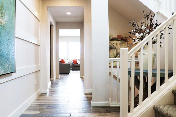 IMG_925-prelude-hallway